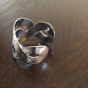 Jewelry - Silver bangle